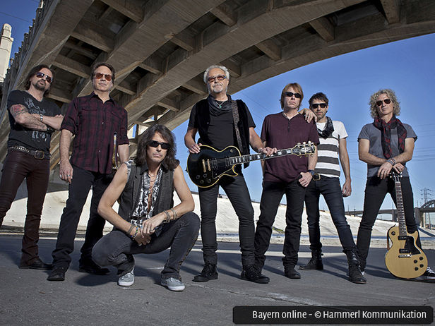 Foreigner Live in Concert