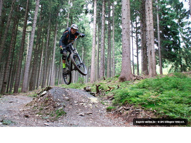 Radsportler im Trailcenter Rabenberg